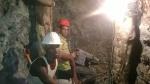 Mineros laborando