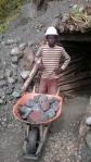 Minero de larimar